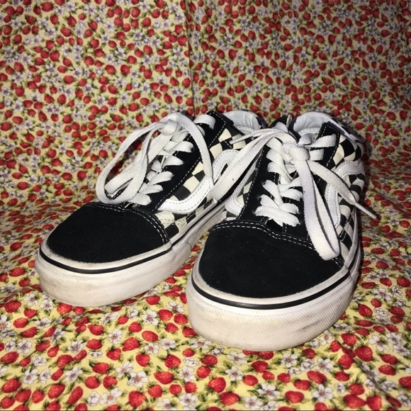 vans black and white checkered sneakers